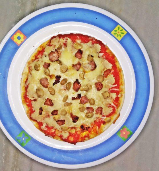 Pizza de coliflor y queso casera