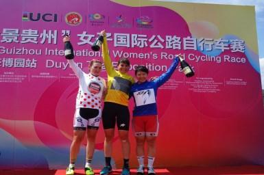 梶原、単独で4位フィニッシュ。アジアンリーダーに/PANORAMA Guizhou International Women's Road Cycling Race 第1ステージ