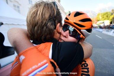 女子エリートはファンデルブレッヘンが山岳コースを独走で初の世界一に!/ロード世界選手権2018