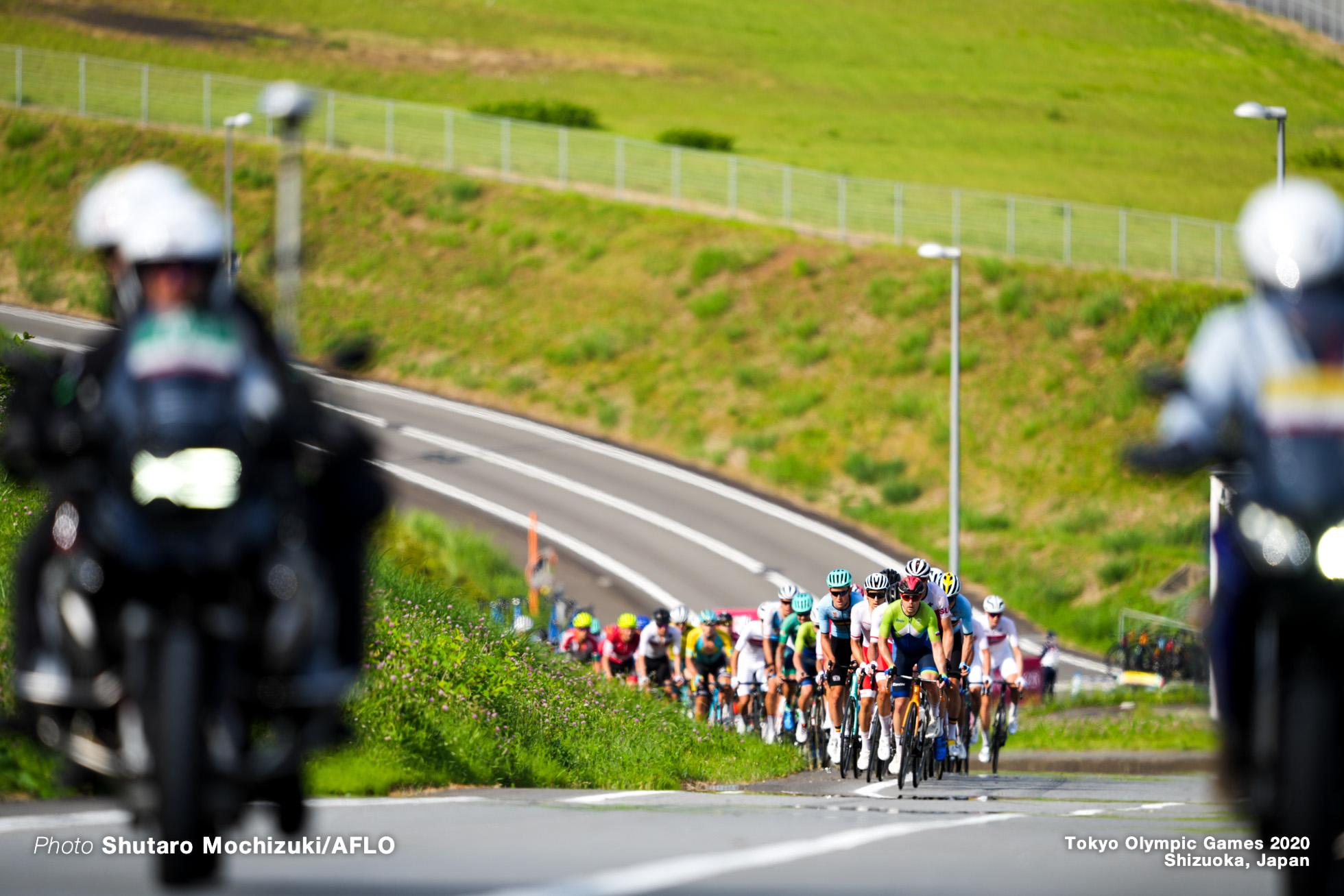 JULY 24, 2021 - Cycling : Men's Road Race during the Tokyo 2020 Olympic Games at 富士スピードウェイ/the Fuji International Speedway in Shizuoka, Japan. (Photo by Shutaro Mochizuki/AFLO)