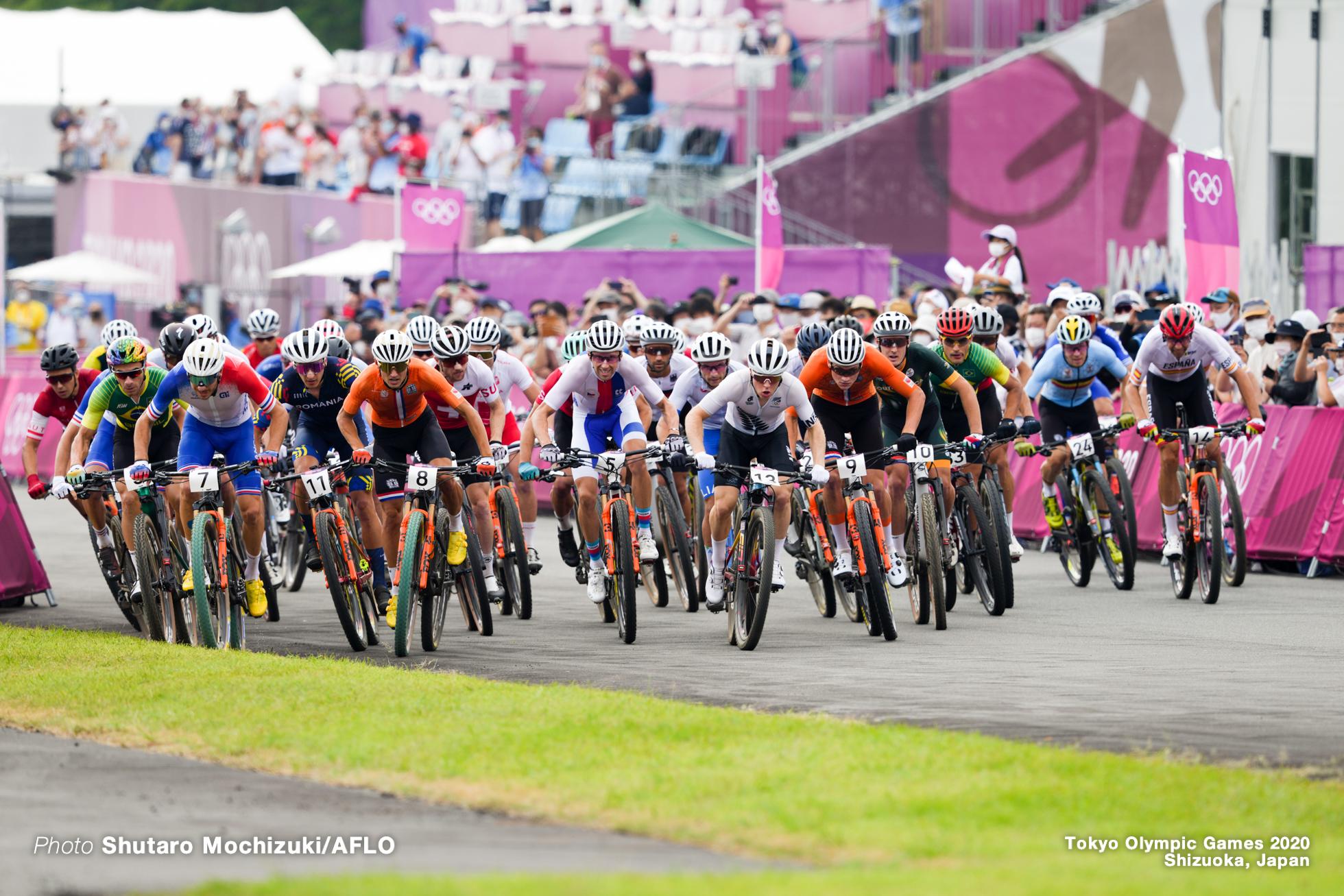 JULY 26, 2021 - Cycling : Men's Cross-country during the Tokyo 2020 Olympic Games at the Izu MTB Course in Shizuoka, Japan. (Photo by Shutaro Mochizuki/AFLO)