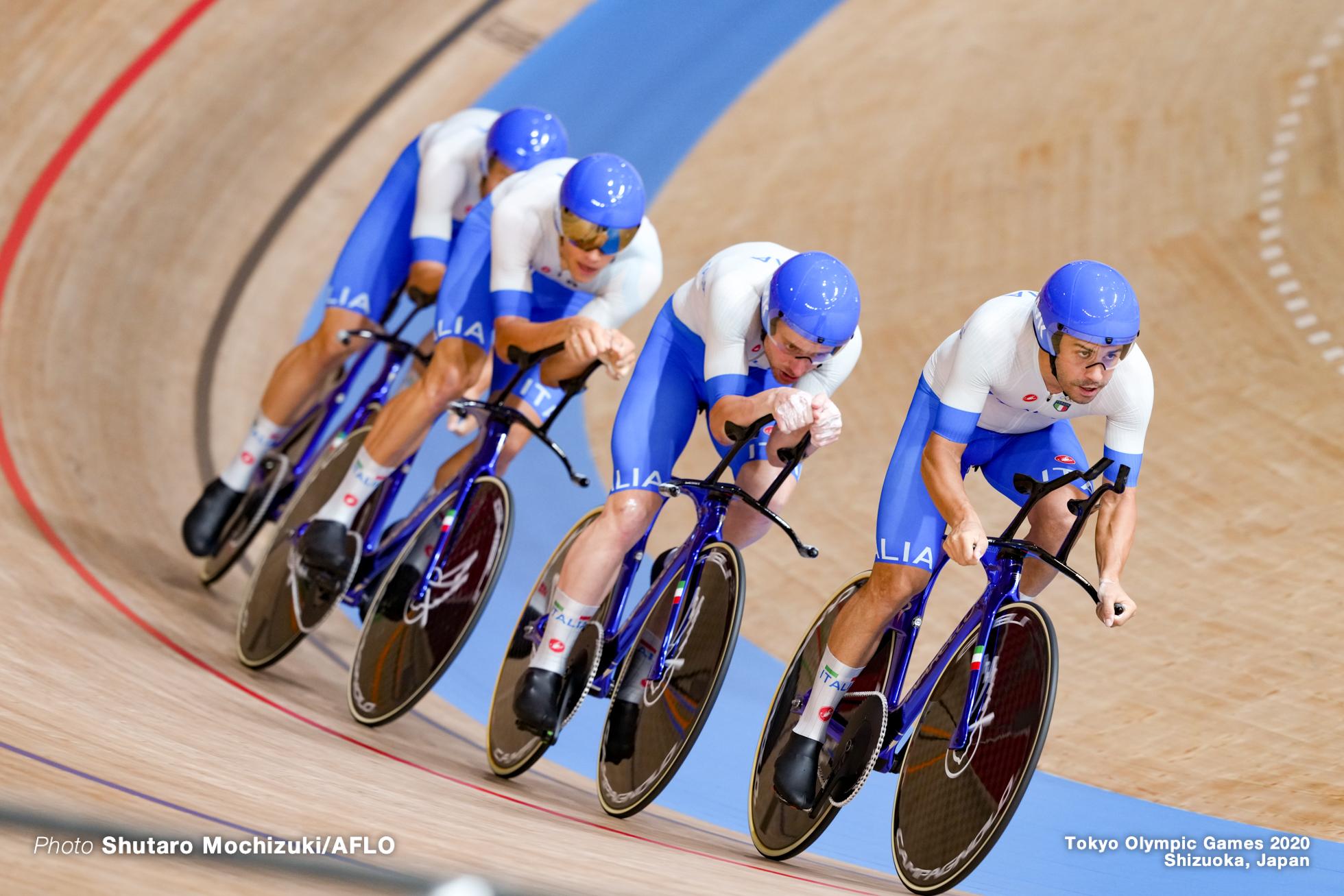 シモーネ・コンソーニ Simone Consonni (ITA), フィリポ・ガンナ Filippo Ganna (ITA), フランチェスコ・ラモーン Francesco Lamon (ITA), ジョナタン・ミラン Jonathan Milan (ITA), Men's Team Pursuit Final AUGUST 4, 2021 - Cycling : during the Tokyo 2020 Olympic Games at the Izu Velodrome in Shizuoka, Japan. (Photo by Shutaro Mochizuki/AFLO)