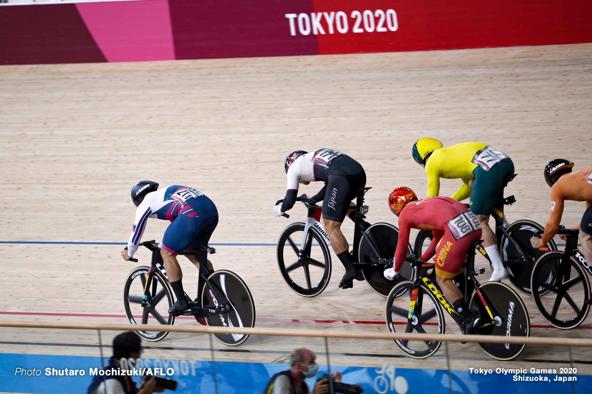 徐超 ズ・チャオ Xu Chao (CHN), 新田祐大 Yudai Nitta (JPN), デニス・ドミトリエフ Denis Dmitriev (ROC), Men's Keirin 1st Round AUGUST 7, 2021 - Cycling : during the Tokyo 2020 Olympic Games at the Izu Velodrome in Shizuoka, Japan. (Photo by Shutaro Mochizuki/AFLO)マシュー・グレーツァー Matthew Glaetzer (AUS),