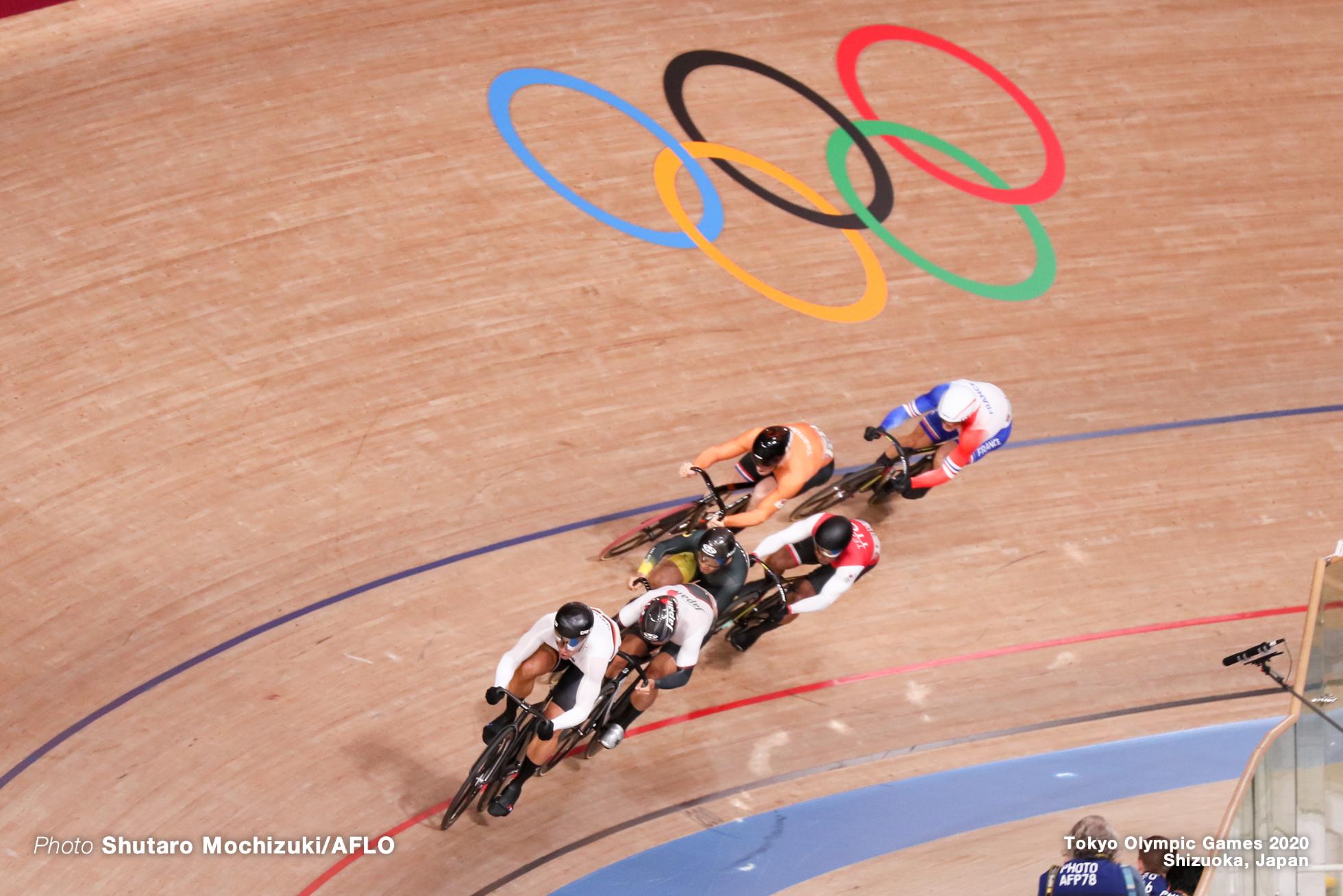 ライアン・エラル Rayan Helal (FRA), マキリミリアン・レビ Maximilian Levy (GER), 脇本雄太 Yuta Wakimoto (JPN), アジズルハスニ・アワン Mohd Azizulhasni Awang (MAS), ハリー・ラブレイセン Harrie Lavreysen (NED), ニコラス・ポール Nicholas Paul (TTO), Men's Keirin Semi-Final AUGUST 8, 2021 - Cycling : during the Tokyo 2020 Olympic Games at the Izu Velodrome in Shizuoka, Japan. (Photo by Shutaro Mochizuki/AFLO)
