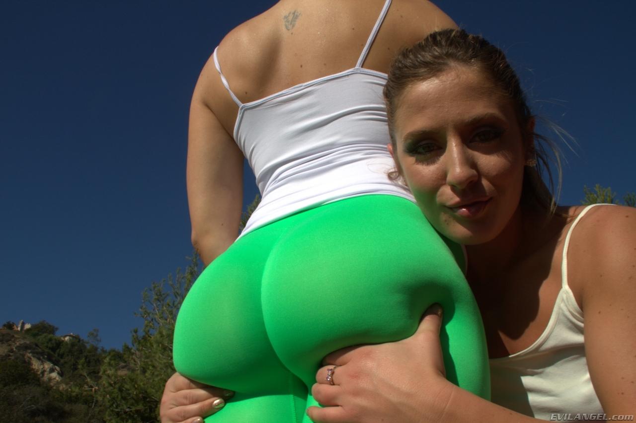 pants yoga Sheena shaw
