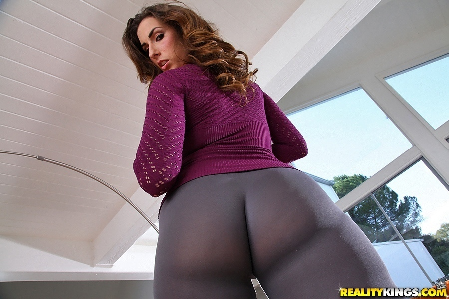 curves Paige turnah monster