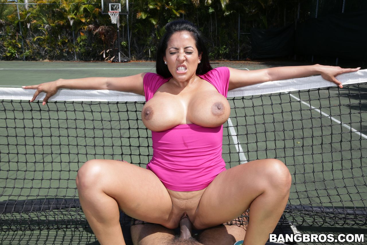 Free mature huge tit fuck videos