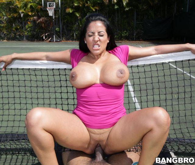 Kiara Mia Big Ass Milf Loves Big Black Dick Outdoor Fucking