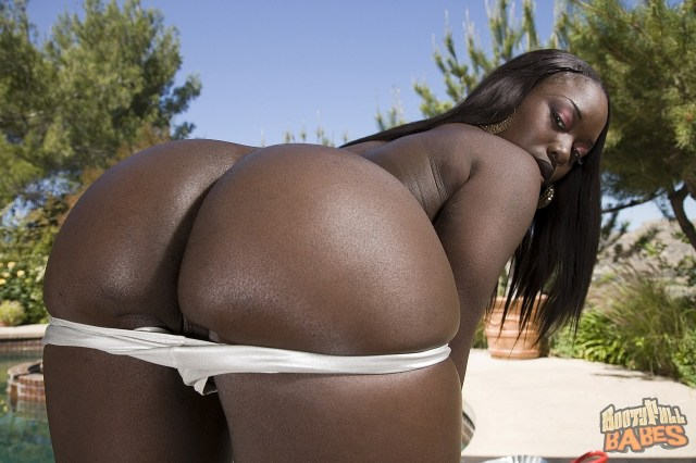 tequila-big-ass-black-bootyfull-babe-fucks-with-white-cock