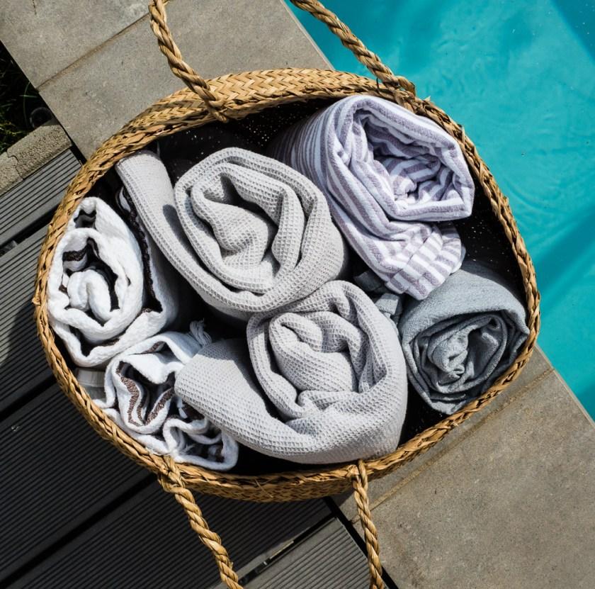 Terrassen-Gestaltung-Korb-Hamam-Handtücher