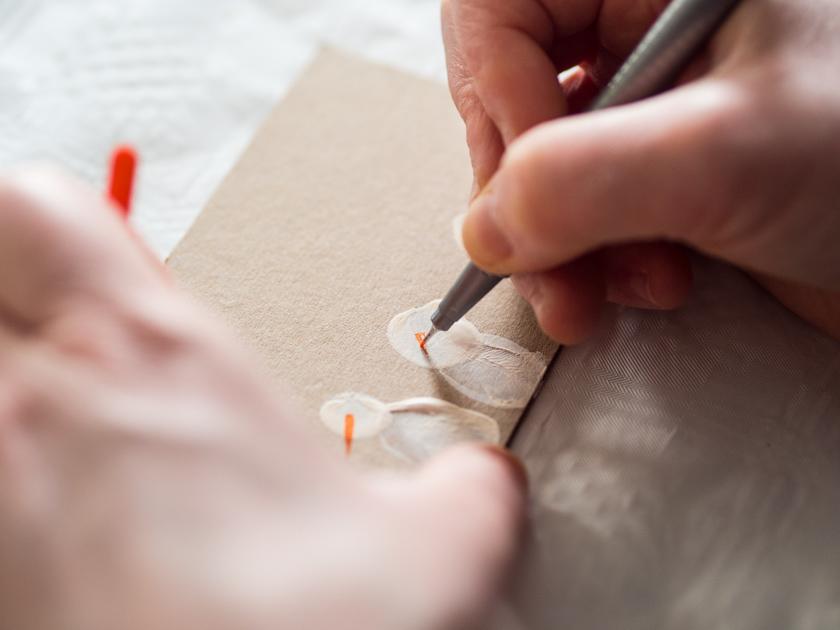 DIY Weihnachtskarten mit Fingerabdruck Schneemänner zeichnen