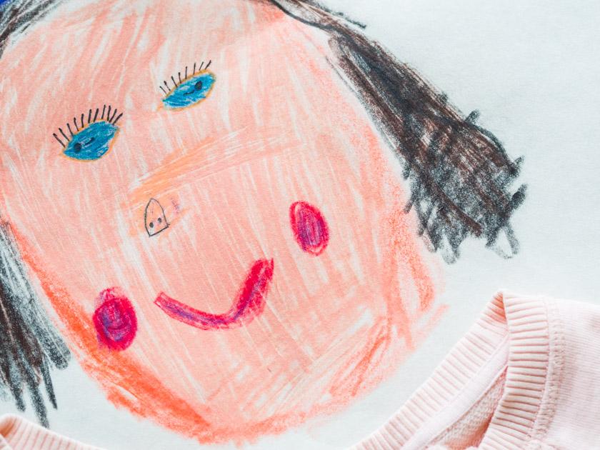 Midi Rock Outfit Ideen für Mamas gemaltes Mama Gesicht