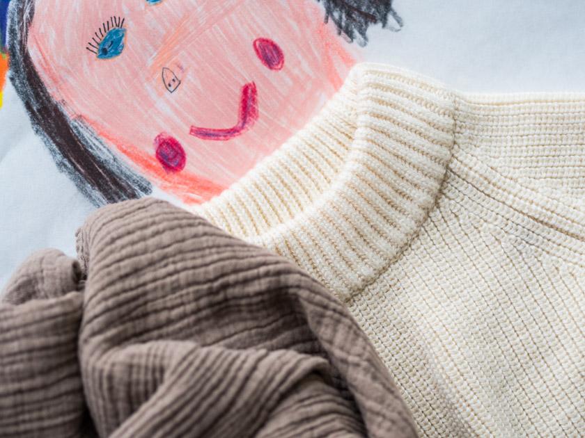 Midi Rock Outfit Ideen für Mamas Strickpullover mit Tuch