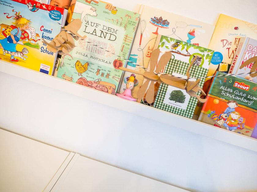 Ordnung im Kinderzimmer - Bücherleiste