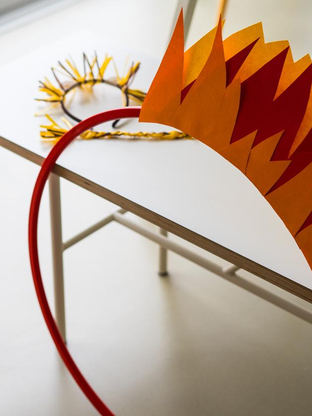 Kostüm Idee für die ganze Familie_Verkleidung Löwe mit brennendem Reifen