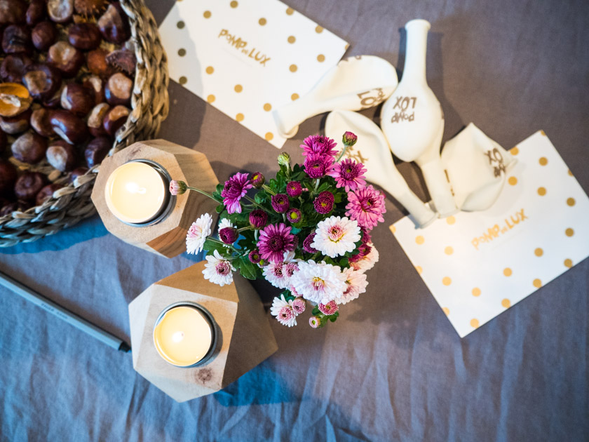Pompdelux Home Shopping_Tisch mit Werbeartikel