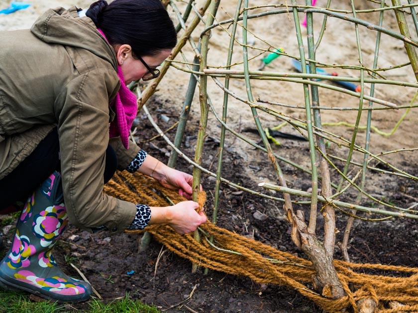 Weidentipi mit Kindern bauen_Kokosschnur