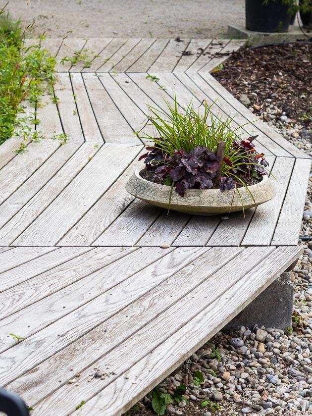 Gartenträume für Familien_Holzdeck