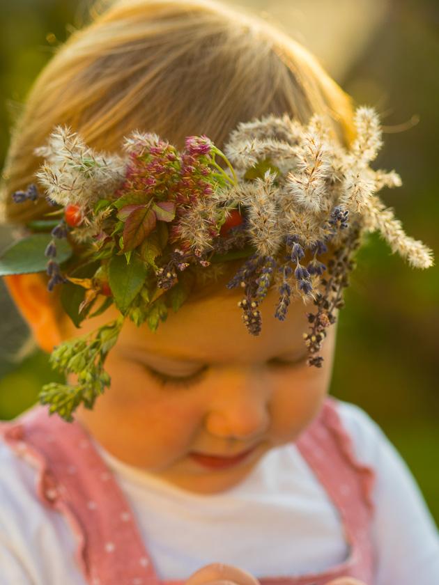 Brunchparty Kindergeburtstag für Mädchen_Blumenhaarkranz binden