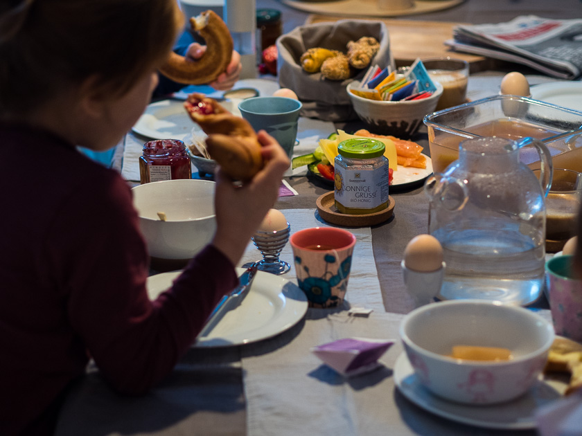 Familien-Frühstücks-Rezepte plus Meal-Prep! - Wenn sich der Tisch vor Köstlichkeiten biegt...