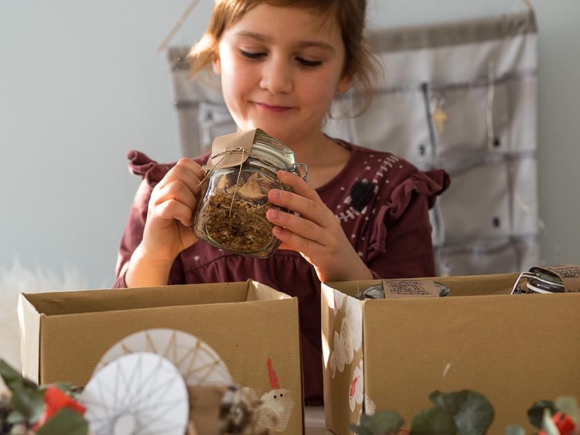 """Ein hyggeliger Advent-Sonntag – Fadensterne, dazu """"life-changing"""" Früchtebrot mit selbst gemachtem Nutella & Last Minute Wünsche"""