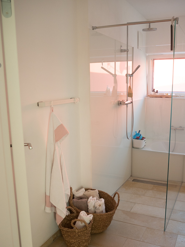 Familien Badezimmer_Dusche
