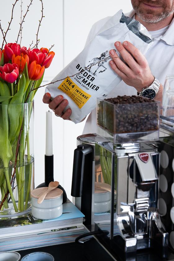 Siebträger Kaffeemaschine_Kaffeebohnen