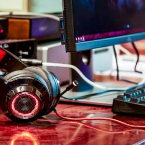 Компьютерные игровые белые наушники Edifier G4 USB  7.1  Surround Sound эффект вибрации подсветка