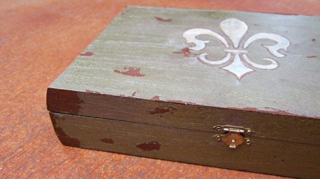 jewelry-box-detail