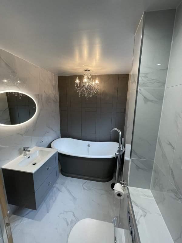 Fawley – Main Bathroom