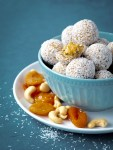Apricot and cashew energy balls by Severien Vits