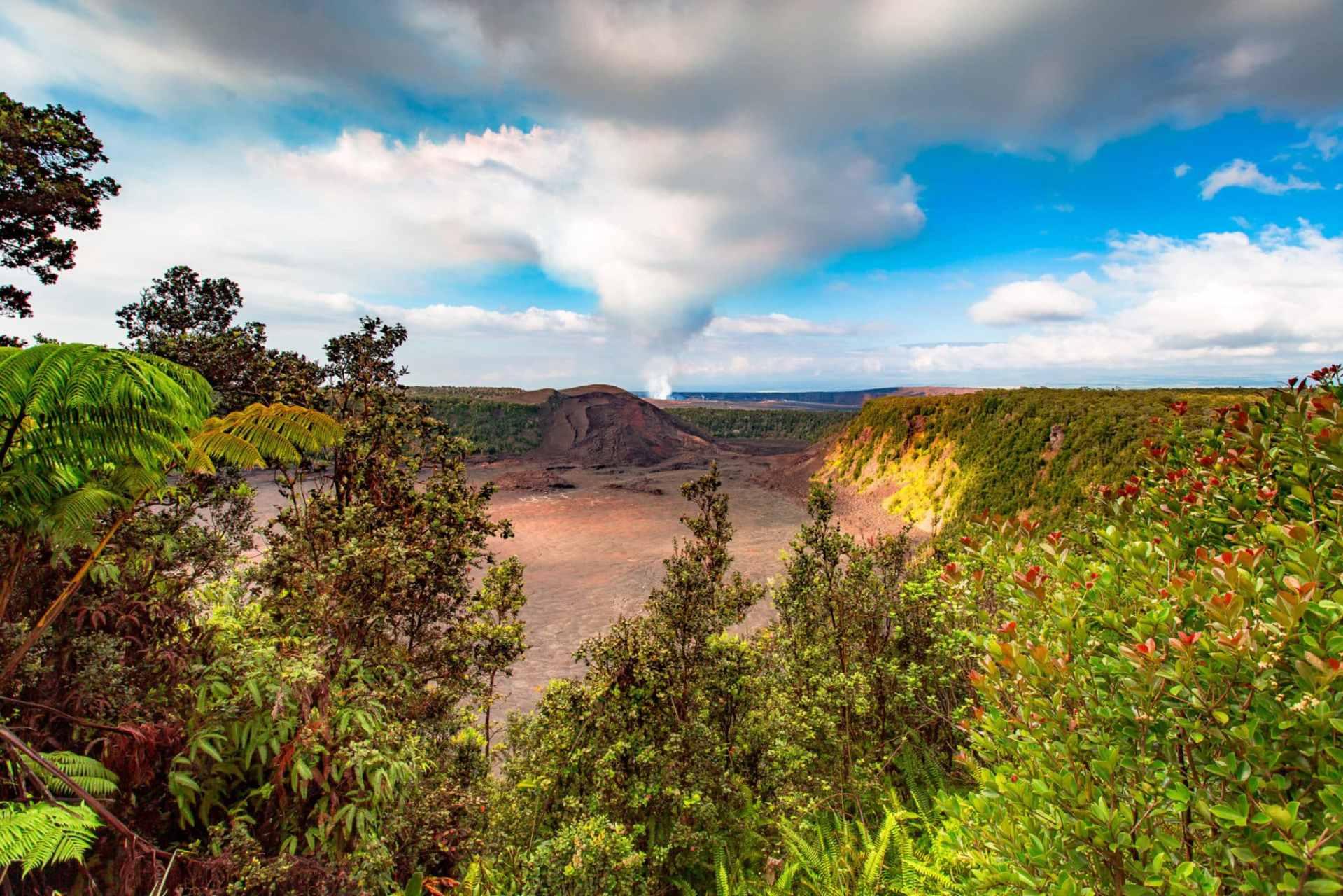Kilauea Iki Crater hawaii volcanoes national park