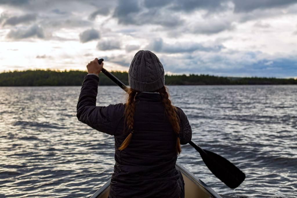 canoeing voyageurs