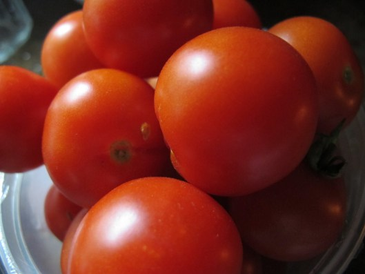 c9277-food-tomatoescherry-ours