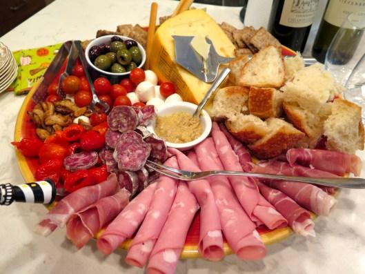 Food-Antipasti platter