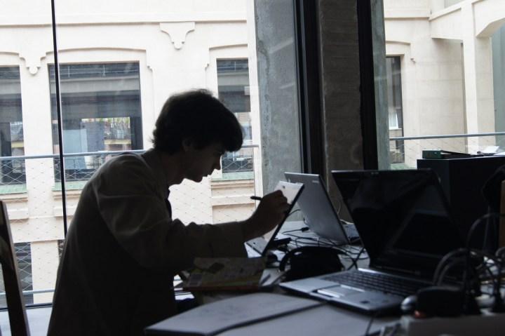 Working (photo by Ramon Miranda)