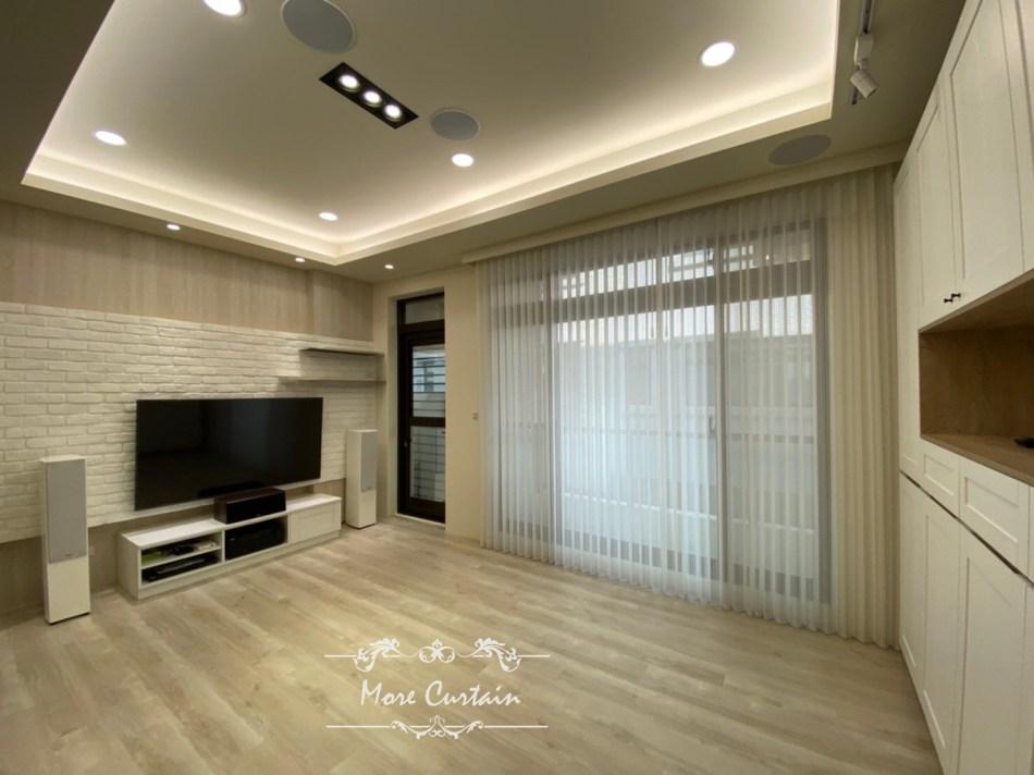 客廳 直立柔紗簾