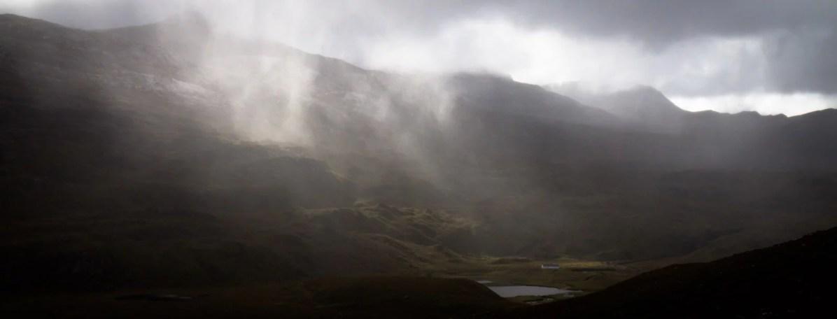 Un rayon à travers la pluie