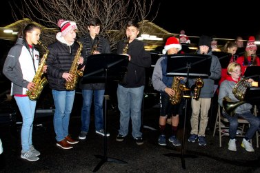 CM high school saxophones at 2018 Moriches Chamber tree lighting
