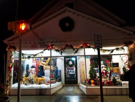 East Moriches Hardware - Holiday Window Decoration contest winner