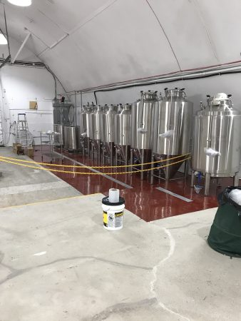 Brewing equipment including fermenters and brite tanks