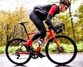 【2018年モデル】BMCロードバイク新型『チームマシン』。結局何が変わったのか。