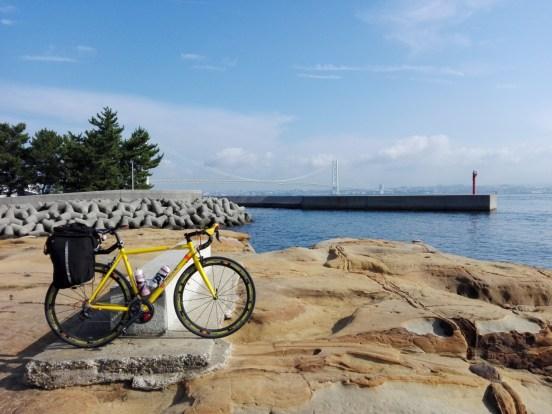 淡路島で勇者になる!ロードバイクでアワイチを100%楽しむ方法。 サイクリング グルメ レンタサイクル 自転車 フェリー 観光地 ジェノバ フェリー 絵島 えじま