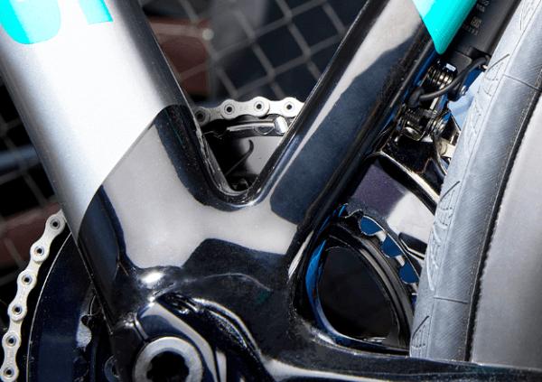 "FOCUSが放つ""最速以上""のバイク『Izalco Max Disc』【2019年モデル】 剛性 BB"