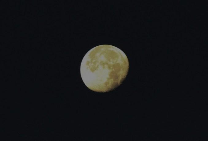 Morinville Moon_edited_crop