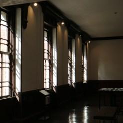 岩手銀行赤レンガ館ホール横