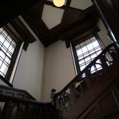 岩手銀行赤レンガ館階段