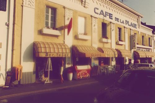 cafe-de-la-plage