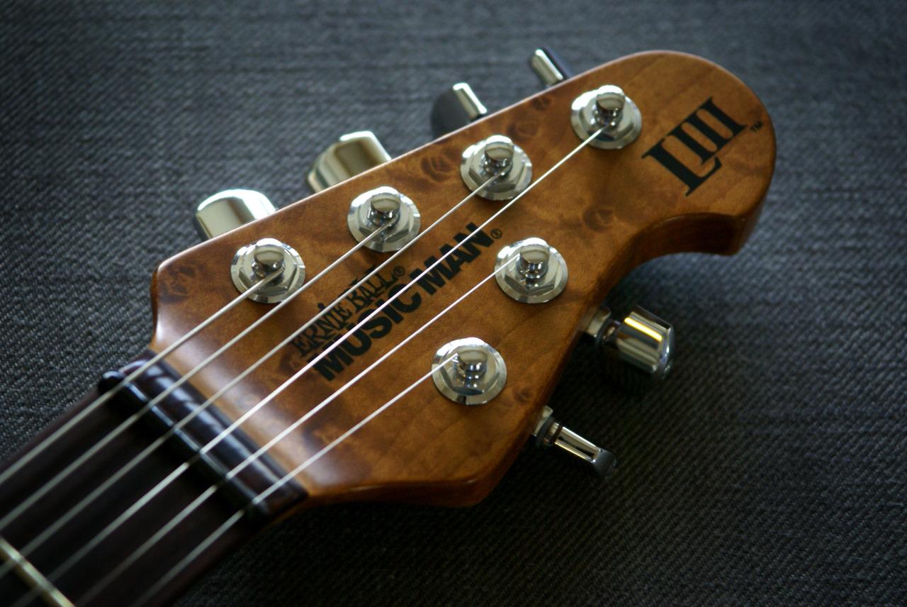 Musicman Luke III - 8