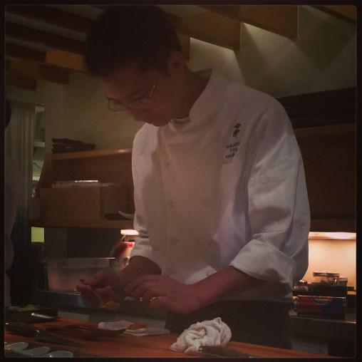 Sushi Ran - omakase - Takatoshi Toshi preparing kaisui-uni
